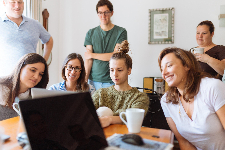 people-looking-at-laptop-computer-1595391.jpg